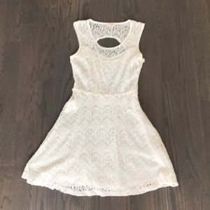 """White A-line keyhole dress by """"LOVE RICHE"""" small"""